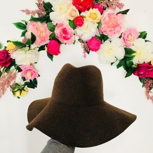 Lovely Bird Montana brown wool floppy hat